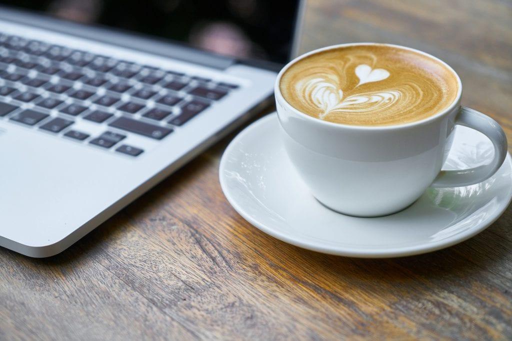 lykkeligere med kaffe